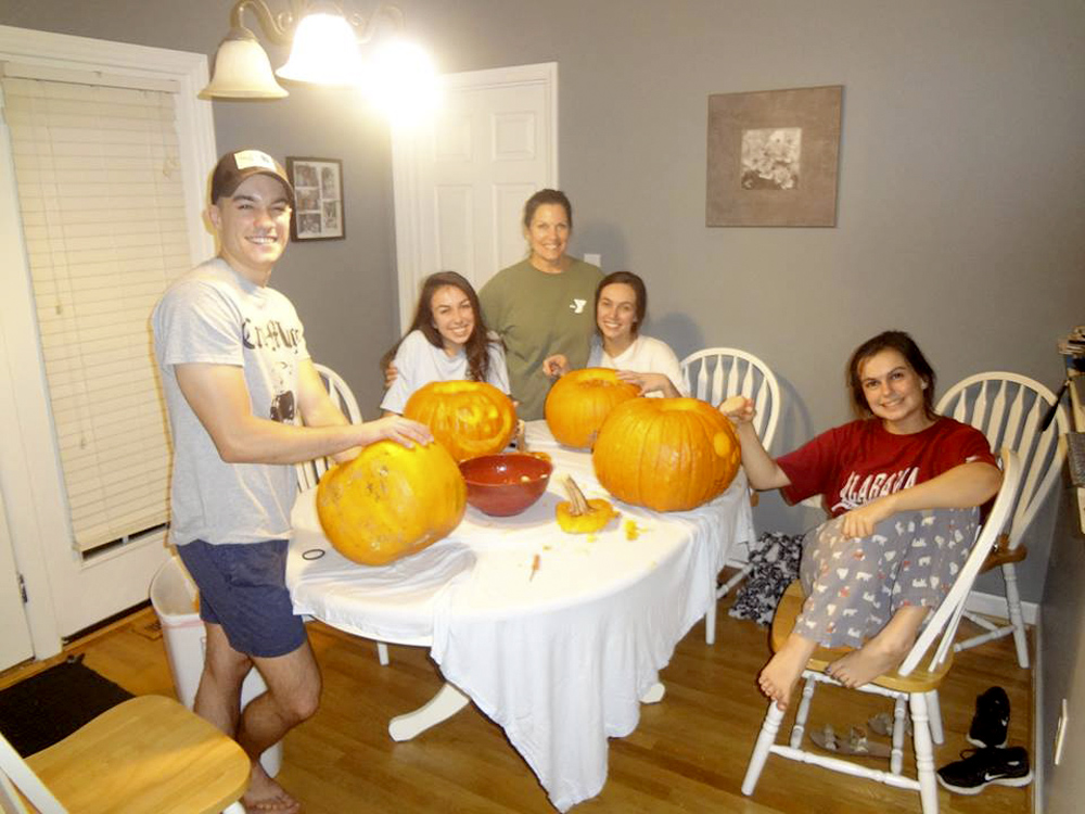 Halloween 2017: Our annual family tradition is still going strong. Last year carving pumpkins with my mom and siblings.