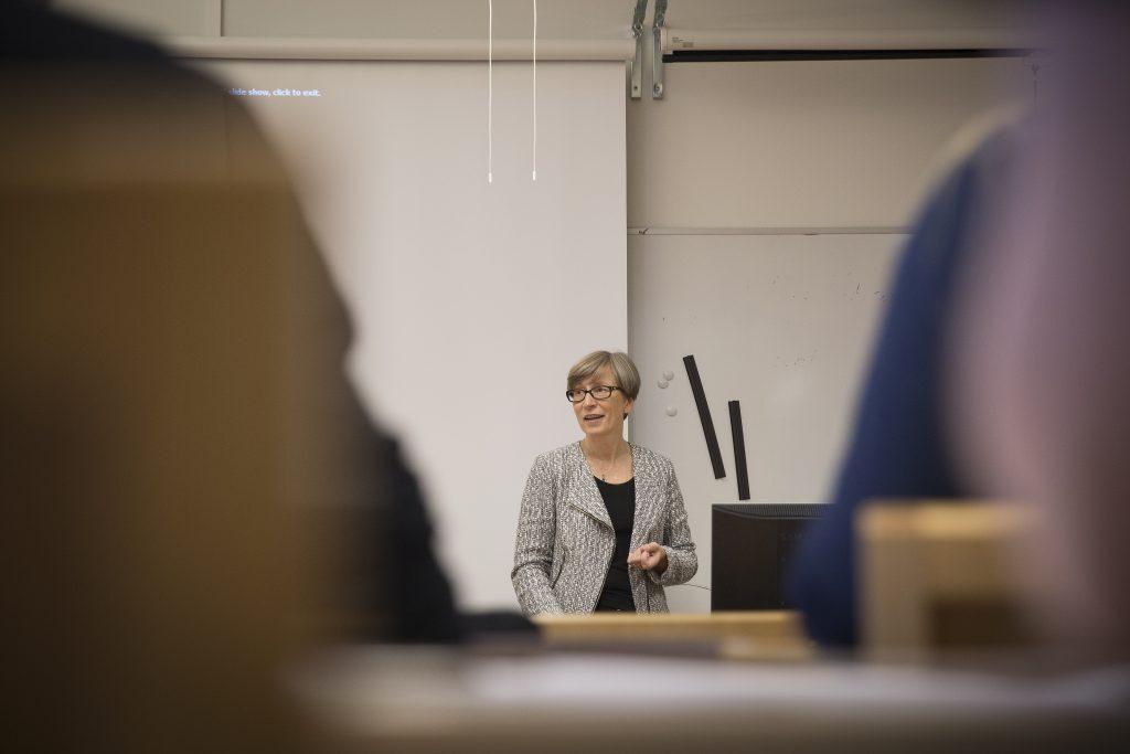 Oulun yliopiston koulutusrehtori Helka-Liisa Hentilä kuvattuna Oulun yliopiston Rantakadun yksikössä. Arkistokuva.