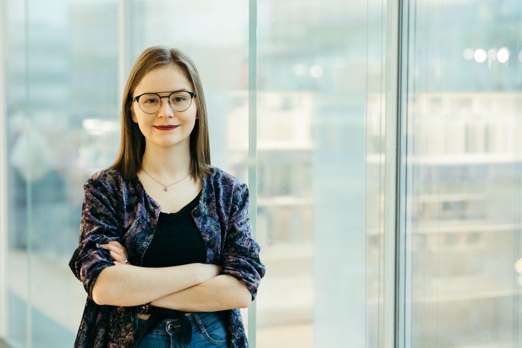 SYL:n puheenjohtaja Sanni Lehtinen uskoo, että nuoria kannustetaan äänestämään parhaiten tietoisuuden lisäämisellä sekä erilaisilla tempauksilla ja kampanjoilla. Kuva: Salla Merikukka.